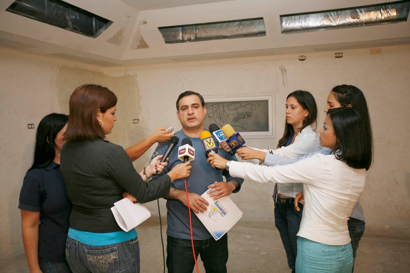 Tarek inspeccionó construcción de 10 nuevos quirófanos en el hospital Razetti