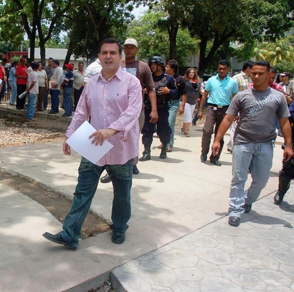 Gobernación construye nueva plaza en sector El Milagro de El Tigre