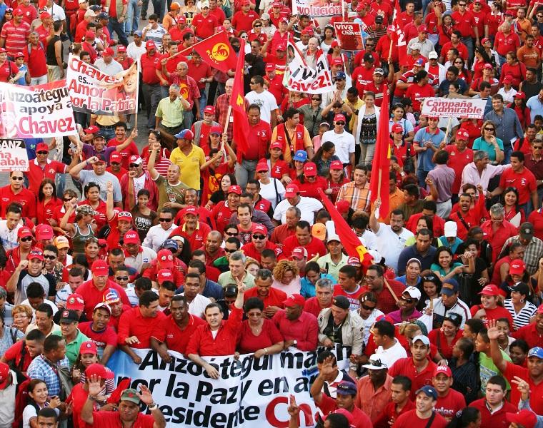Tarek encabeza marcha en respaldo al presidente Chávez