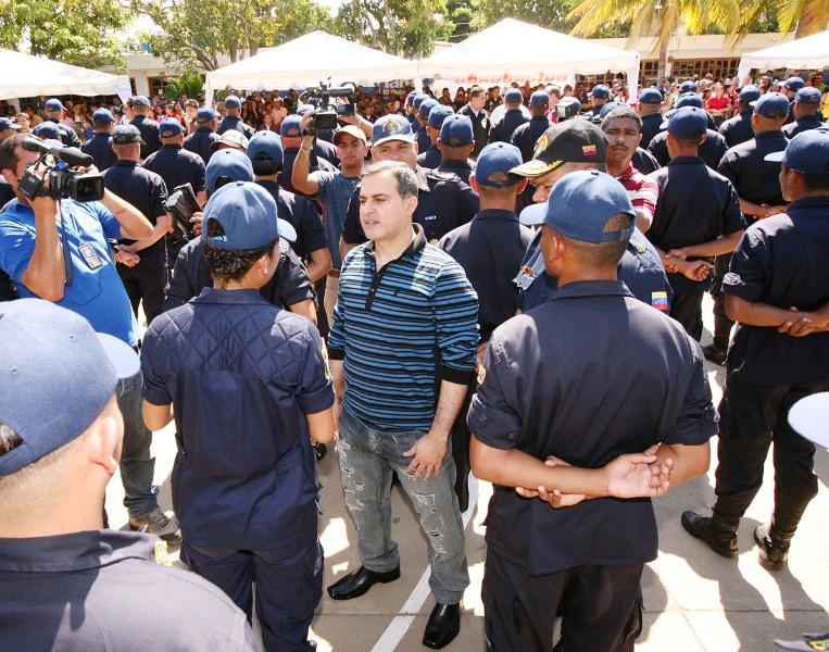 Tarek gradúa 241 nuevos funcionarios policiales de Polianzoátegui