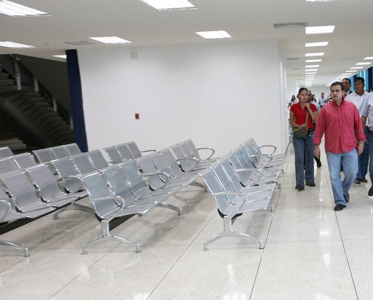 Tarek impulsa el desarrollo económico y turístico con modernos Puertos y Aeropuertos
