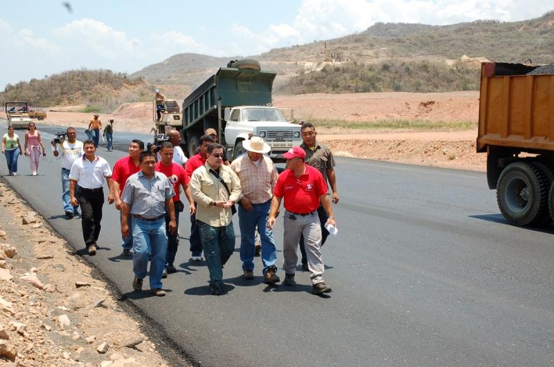 Tarek anunció avance del 50% en recuperación de vialidad de Soledad