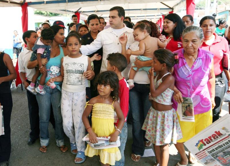 Gobernación adelanta en 55% asfaltado de calle Cerro Las Nieves