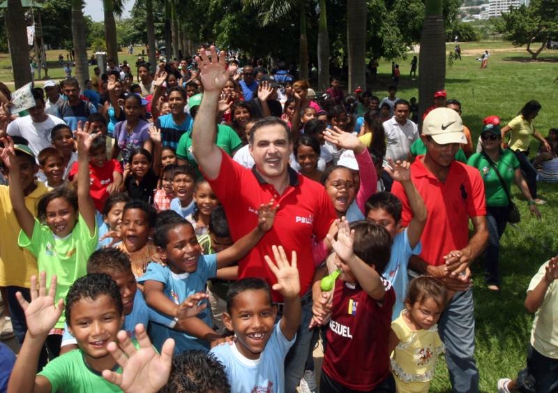 Gobernador Tarek comparte con más de 7 mil niños en el Parque Andrés Eloy Blanco de Puerto la Cruz