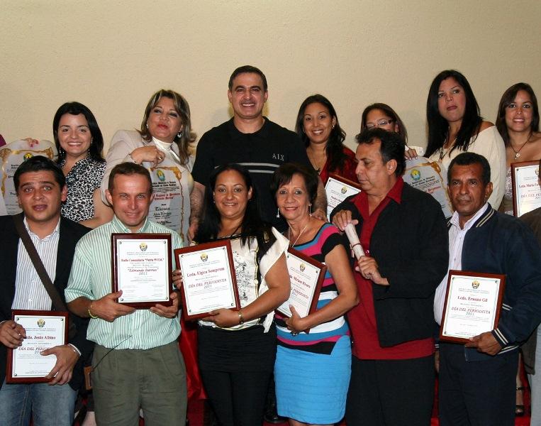 Gobernador entregó Premio Regional de Periodismo Edmundo Barrios