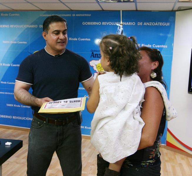 Tarek ha entregado más de Bs.F. 6 millones por concepto de donaciones médicas