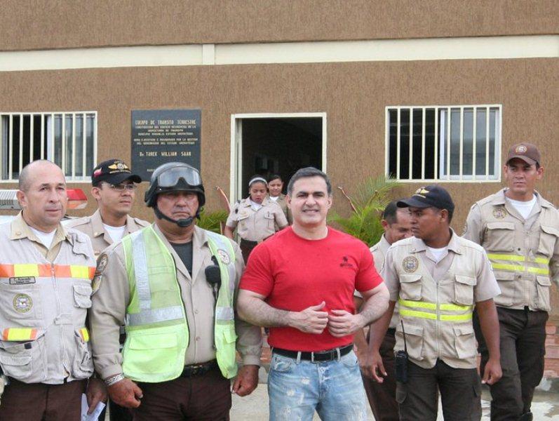 Tarek inauguró edificio residencial de la inspectoría de Tránsito Terrestre