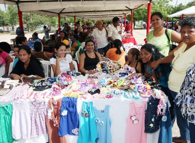 Centros de Capacitación de adultos realizaron Feria del Cuajo en la Gobernación