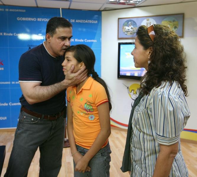 Tarek realizó séptima entrega de ayudas sociales del año 2011
