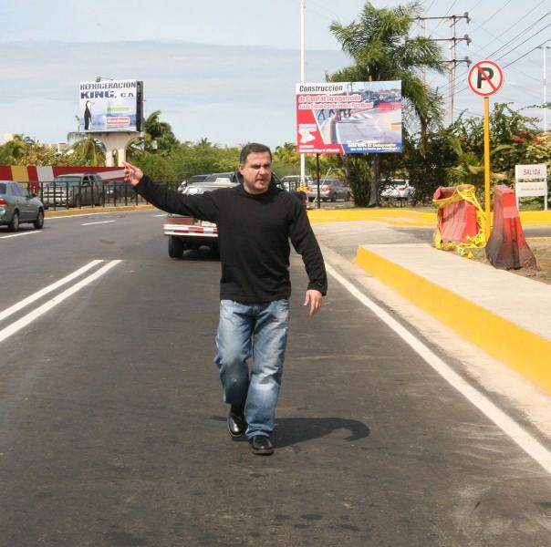 Tarek entregó canal de incorporación a la avenida Camejo Octavio