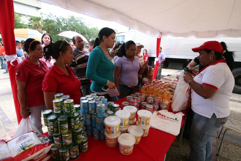 Gobernación y PDVAL beneficiaron más de mil personas en operativo