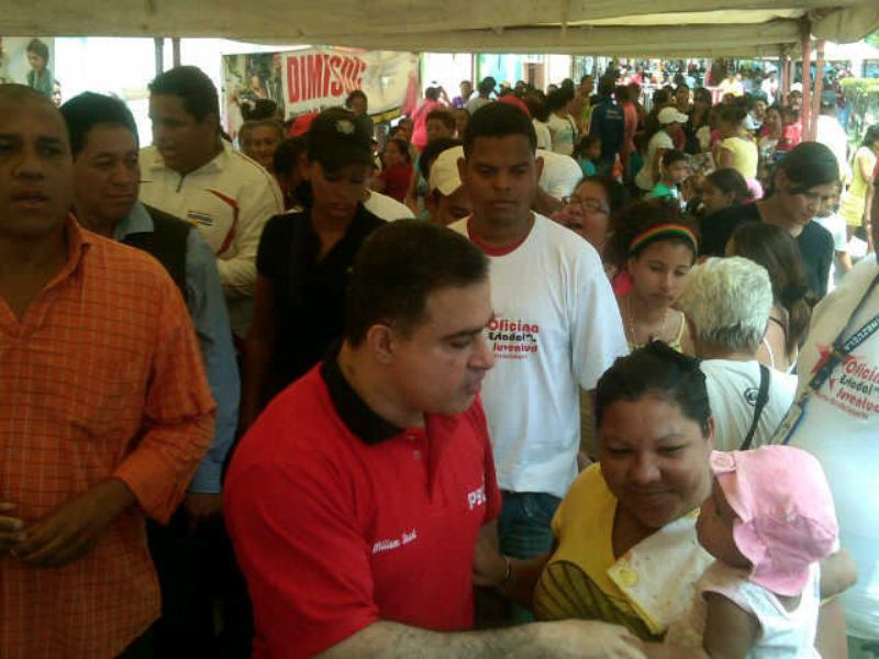 Gobernador Tarek participa en masivo operativo médico asistencial y alimentario en Guanta