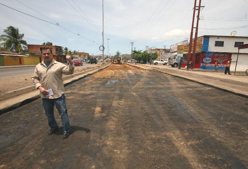 Asfaltado Avenida Argimiro Gabaldón