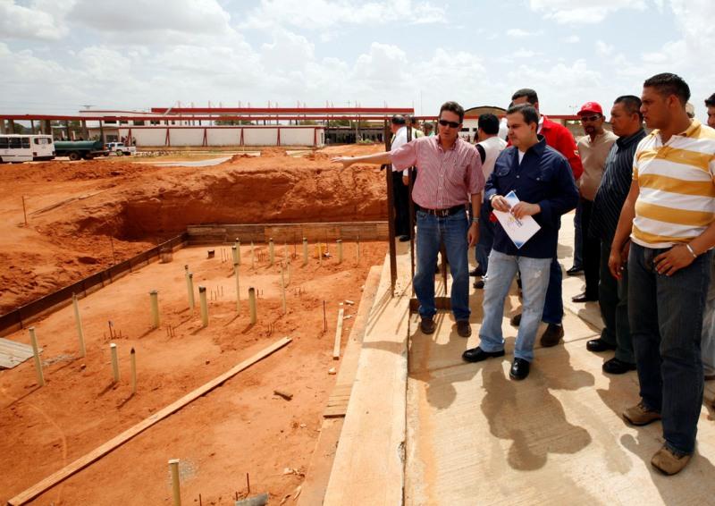 Gobernación de Anzoátegui adelanta proyectos por más de Bs.F. 12 millones