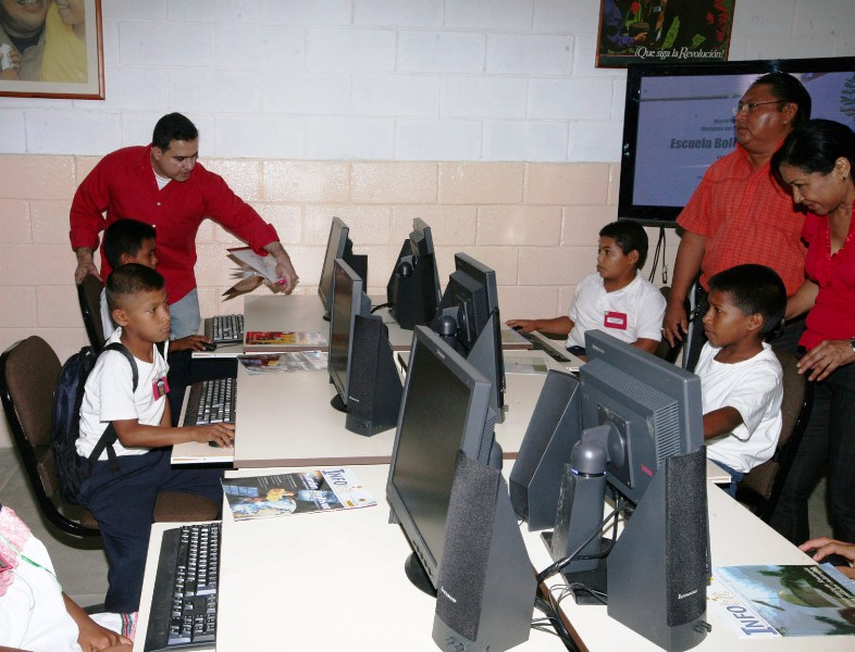 Tarek inauguró U. E. La Florida en el municipio Freites