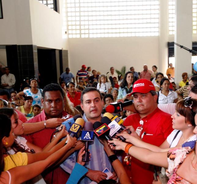 Inauguran Escuela Bolivariana Temistocles Maza de Puerto La Cruz