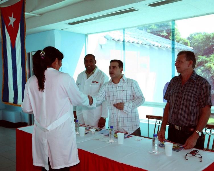 Tarek rindió homenaje a médicos cubanos de la Misión Barrio Adentro