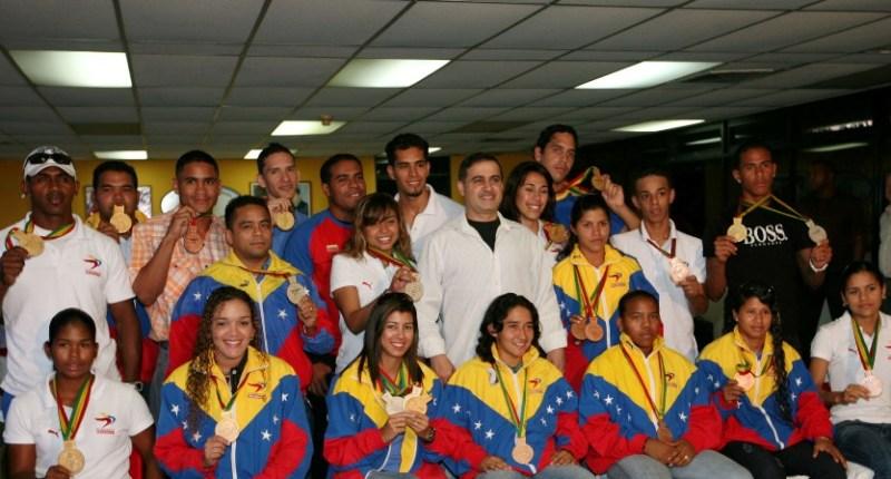 Tarek homenajeó a Atletas de Anzoátegui