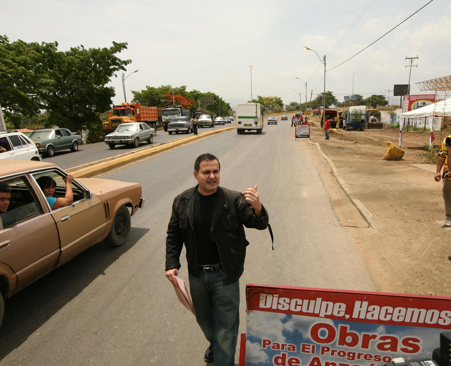 Gobernación recupera vía de acceso a zona industrial Mesones