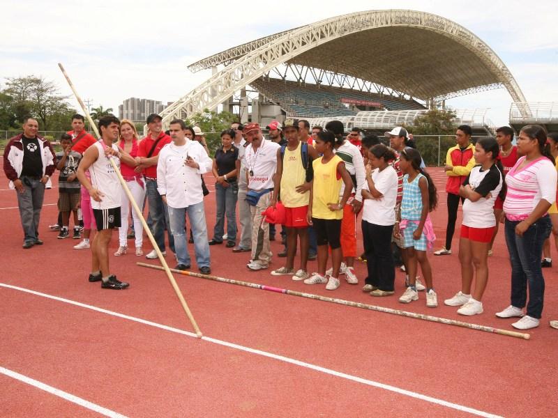 Ejecutivo regional sigue invirtiendo en el bienestar y desarrollo de los atletas anzoateguienses