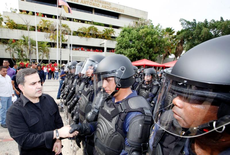 Brigada de Orden Público realizó simulacro con equipo antimotín